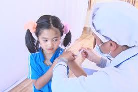 Trung tâm Y tế huyện hoàn thành tiêm bổ sung vắc xin Uốn ván- Bạch hầu giảm liều (Td) năm 2020-2021 trên địa bàn huyện